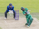 Azhar Ali fell for 80 trying to hit down the ground, England v Pakistan, 4th ODI, Headingley, September 1, 2016