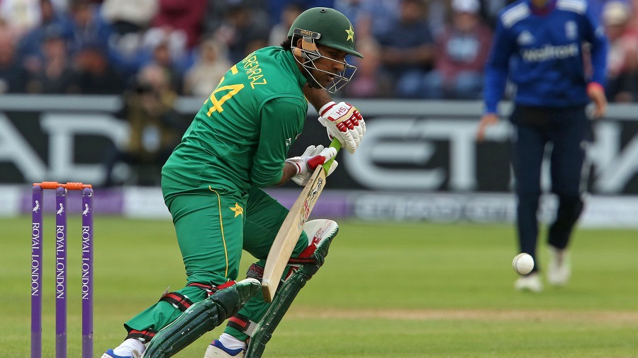 Sarfraz Ahmed steers one to third man