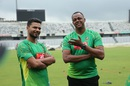 Mashrafe Mortaza, with his 'idol' Courtney Walsh, at a training session, Dhaka, September 5, 2016
