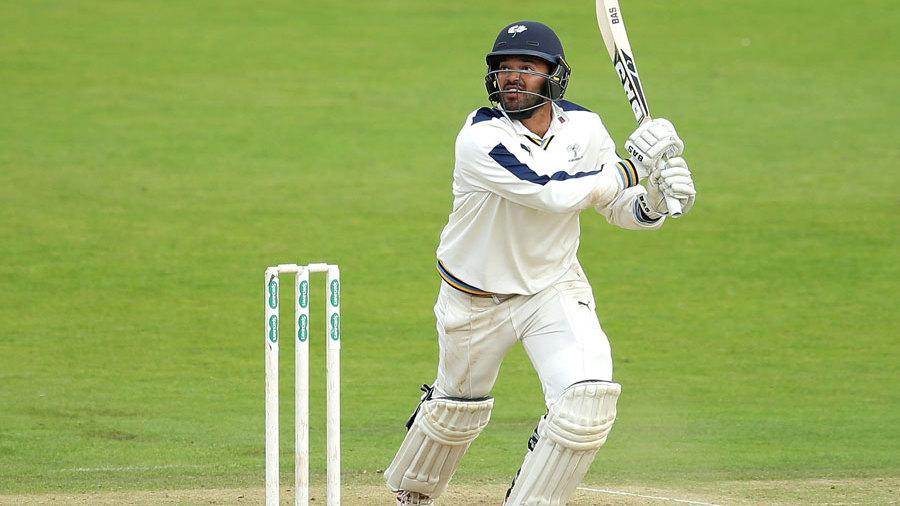 Azeem Rafiq's 45 helped Yorkshire pass 400