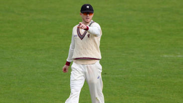 Chris Rogers supervises Somerset's title challenge
