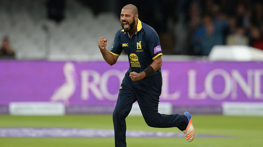 Jeetan Patel removed Zafar Ansari for a duck