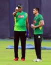 Eye on the legend: Taskin Ahmed receives some tips from Courtney Walsh, Dhaka, September 19, 2016