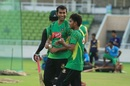 Mosharraf Hossain and Mehedi Hasan have a chat during training, Mirpur, September 20, 2016