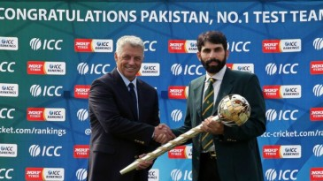 ICC CEO David Richardson presents the Test mace to Misbah-ul-Haq