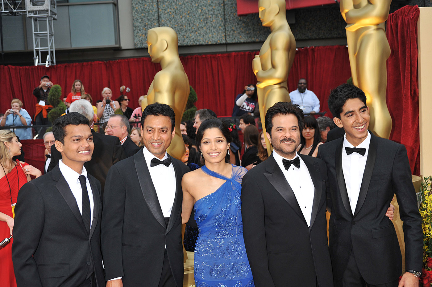 The cast of <i>Slumdog Millionaire</i> at the Oscars