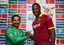 Sarfraz Ahmed and Carlos Brathwaite pose ahead of the T20 series, Dubai, September 22, 2016