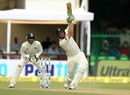 Martin Guptill lofts one over mid-off, India v New Zealand, 1st Test, Kanpur, 2nd day, September 23, 2016