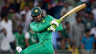 Shoaib Malik turns on the style