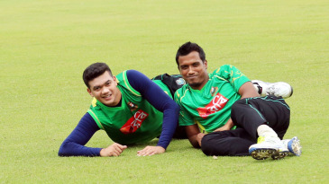 Taskin Ahmed and Rubel Hossain look relaxed during team training