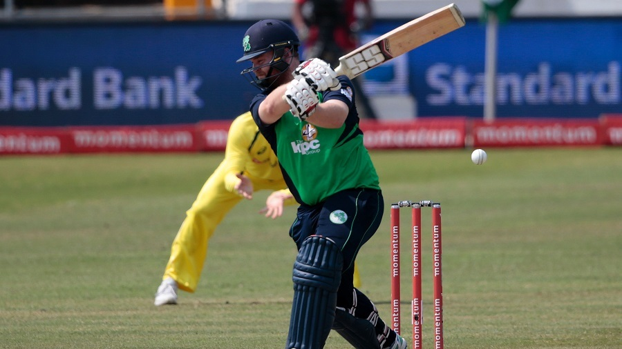 Paul Stirling gave Ireland a breezy start with a 27-ball 30