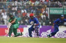 Mahmudullah tries to sweep en route to his 25, Bangladesh v Afghanistan, 2nd ODI, Mirpur, September 28, 2016