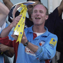 Kent captain Matthew Fleming lifts up the Norwich Union League trophy, Warwickshire v Kent, Norwich Union League Division One, Edgbaston, September 16, 2001