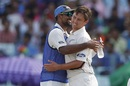 Trent Boult is embraced by Ish Sodhi, India v New Zealand, 2nd Test, Kolkata, 3rd day, October 2, 2016