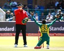 Aaron Phangiso wrapped up Australia's innings, South Africa v Australia, 4th ODI, Port Elizabeth, October 9, 2016