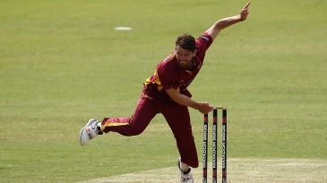 Michael Neser led Queensland's charge with 4 for 41