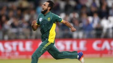 Imran Tahir sets off on a celebratory run