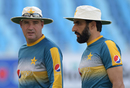 Misbah-ul-Haq and Mickey Arthur have a chat while training, Dubai, October 12, 2016