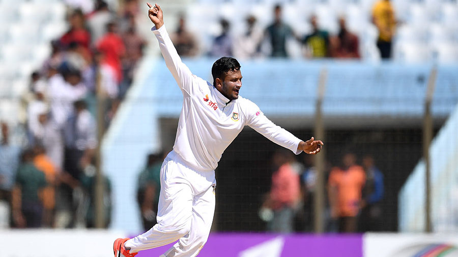 Shakib Al Hasan made early inroads in England's second innings