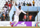 Shakib Al Hasan made early inroads in England's second innings, Bangladesh v England, 1st Test, Chittagong, 3rd day, October 22, 2016