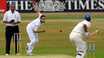 Terry McGregor bowls to Sarah Collyer