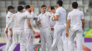 Chris Woakes picked up two wickets after tea