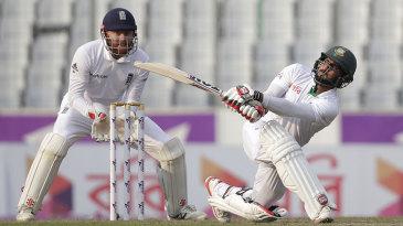 Imrul Kayes toyed with England's bowlers