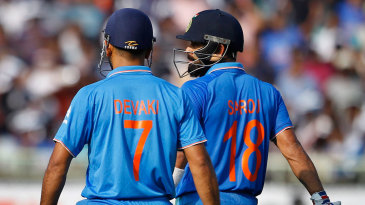 MS Dhoni and Virat Kohli added 71 in partnership