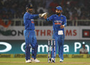 MS Dhoni and Virat Kohli direct the fielders, India v New Zealand, 5th ODI, Visakhapatnam, October 29, 2016