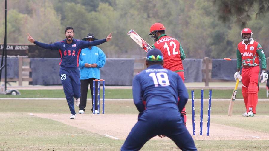 Ali Khan bowls Zeeshan Maqsood in the first over for a duck