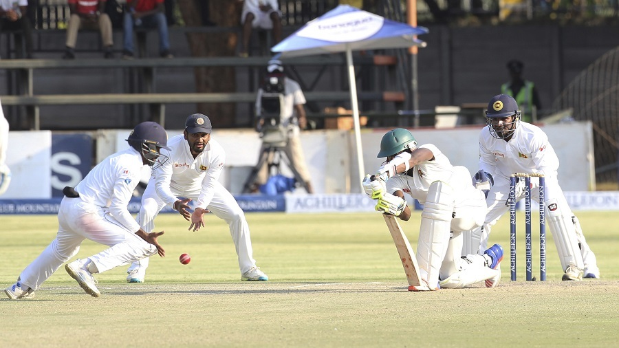 De Silva century puts Sri Lanka on top