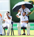 JP Duminy and Dean Elgar cool off on a hot day, Australia v South Africa, 1st Test, Perth, 3rd day, November 5, 2016