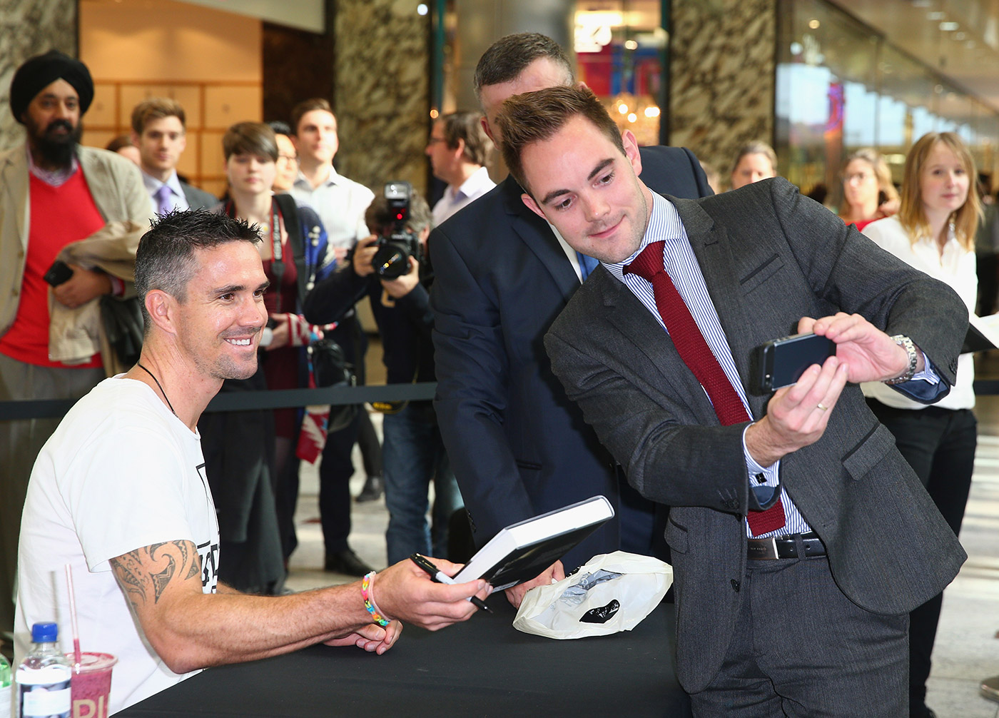 Kevin Pietersen flogs his tome at a promo event in London