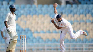 Monty Panesar finished with 3 for 64