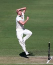Jackson Bird in the middle of his bowling motion, Western Australia v Tasmania, Sheffield Shield 2016-17, 1st day, November 17, 2016