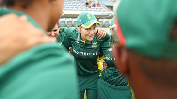 Dane van Niekerk gets into a huddle with her side before the match