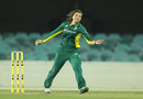 Sune Luus bowls during her three-wicket haul, Australia v South Africa, 1st women's ODI, Canberra, November 18, 2016
