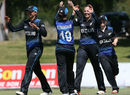 Lea Tahuhu celebrates with her team-mates, New Zealand women v Pakistan women, only T20I, Nelson, November 21, 2016