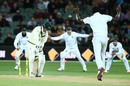 Kagiso Rabada gets through Nic Maddinson's defense, Australia v South Africa, 3rd Test, Adelaide, 2nd day, November 25, 2016