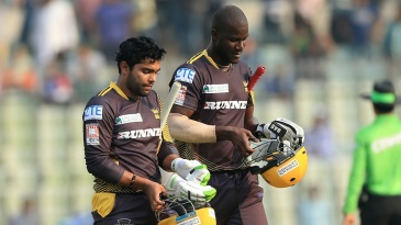 Darren Sammy and Umar Akmal forged a match winning partnership adding 70 in 37 balls