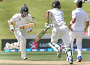 Tom Latham takes off for a run, New Zealand v Pakistan, 2nd Test, Hamilton, 4th day, November 28, 2016