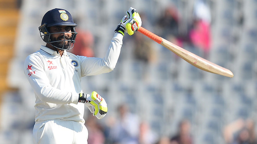 Ravindra Jadeja brings out the swordsman celebration on reaching fifty