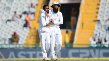 Adil Rashid and Moeen Ali celebrate after dismissing Ravindra Jadeja