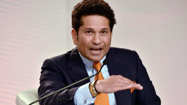 Sachin Tendulkar speaks at an event