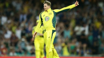 Steven Smith took a one-handed screamer at backward point