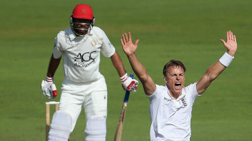 Tom Curran appeals for the wicket of Javed Ahmadi