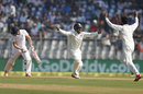 India appeal for the wicket of Chris Woakes, India v England, 4th Test, Mumbai, 2nd day, December 9, 2016