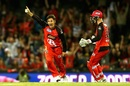 Brad Hogg picked up two wickets in an over, Melbourne Renegades v Sydney Thunder, Big Bash League 2016-17, Melbourne, December 22, 2016