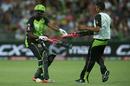 Andre Russell switches bats during his innings, Sydney Thunder v Brisbane Heat, Big Bash League 2016-17, Sydney, December 28, 2016