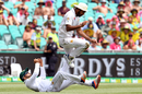 Mohammad Rizwan and Wahab Riaz collide as they go for a catch , Australia v Pakistan, 3rd Test, Sydney, 2nd day, January 4, 2017